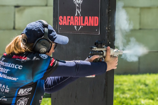 An interview with shooting champion Julie Golob | Examiner.com