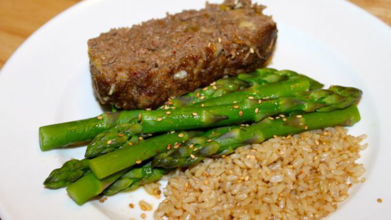 Kimchi Venison Meatloaf with Asparagus and Brown Rice