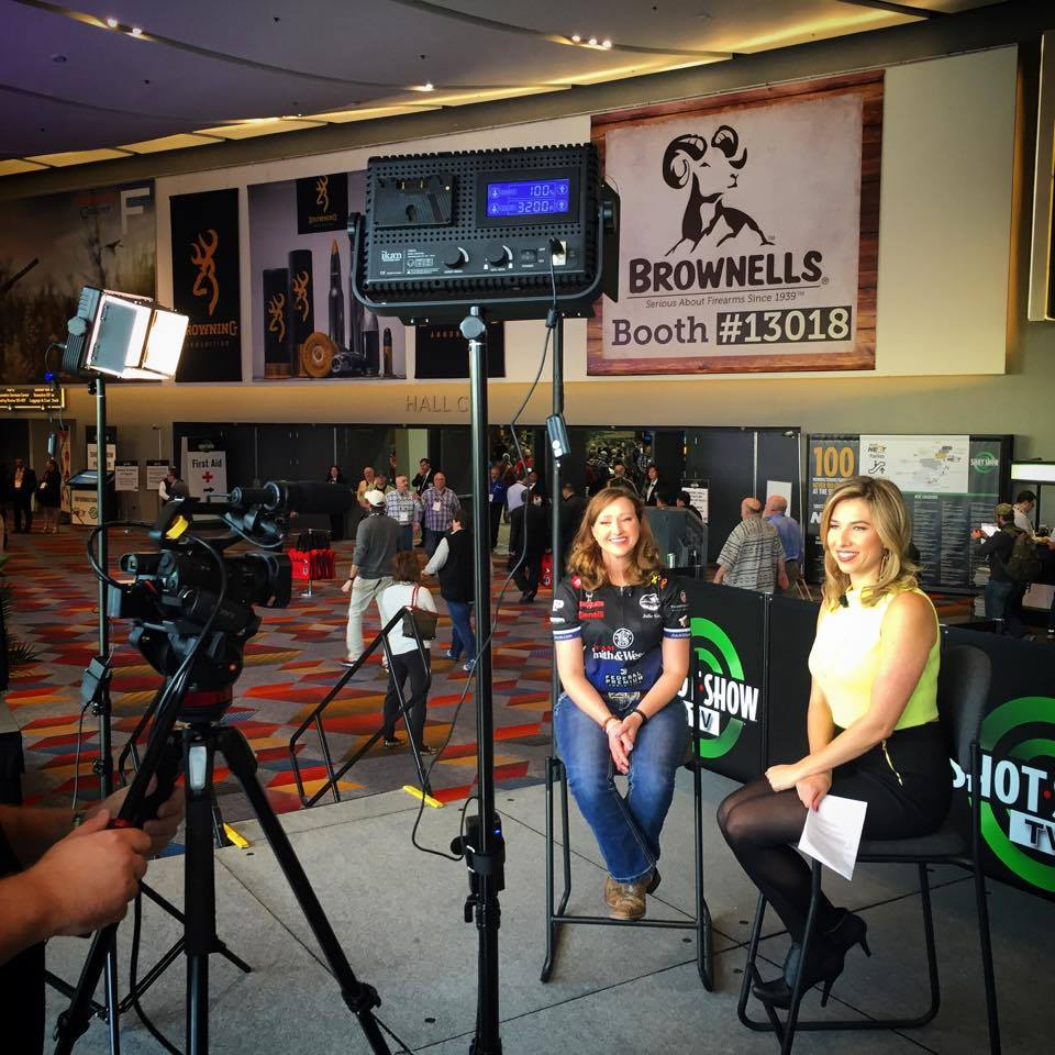 2016_SHOT_Show_TV_Julie_Golob